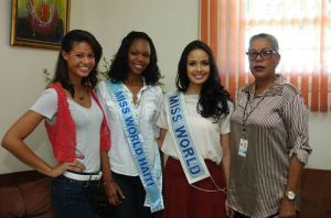 miss world megan young in haiti (5)