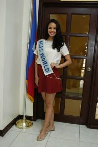 miss world megan young in haiti (9)