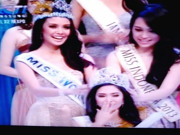 miss world megan young crowns miss indonesia 2014 (4)